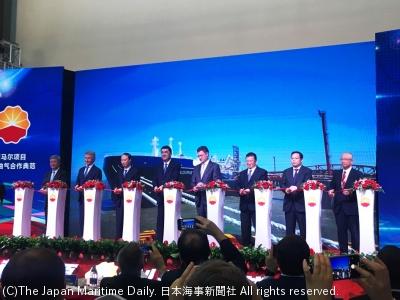 商船三井/ヤマル向け砕氷LNG船、中国到着。北極海航路東回り成功(1面)