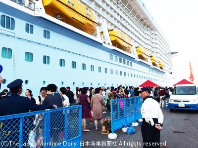 中国発着の北東アジア周遊の多様化などが影響し、外国籍船の寄港数は前年割れが続く