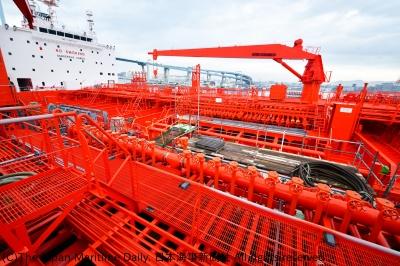 ケミカルタンカーには約1万5000本もの配管が使用されている