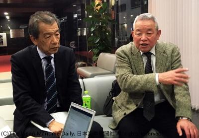 会見する糸谷・全国港湾委員長(右)