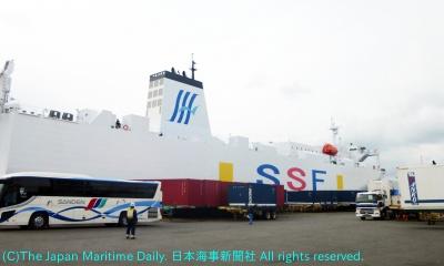 中国、韓国航路のRORO船を活用する(写真はSSFが運航するRORO船)