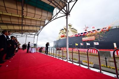 川崎重工業坂出工場で行われたスクラバー搭載VLGC命名式