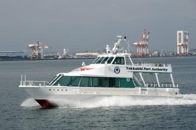 港内巡視船「ゆりかもめ」