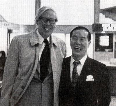 リンドブラッド社長(左)と和田社長