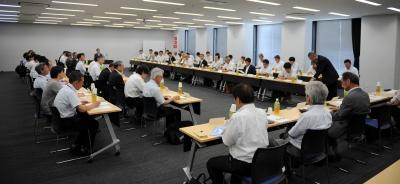 8日、名古屋市内で開かれた調査研究特別専門委員会