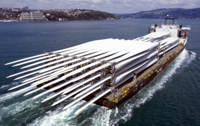 NBPはモジュール船で風車のブレードを初めて輸送した