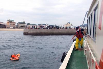 約60人が参加した救助訓練