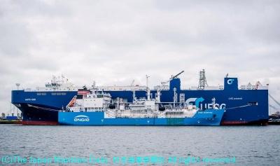 UECCが運航する自動車船「オート・エコ」にLNG燃料を供給