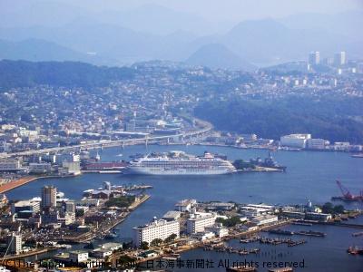 国際旅客船拠点形成計画を公表した佐世保港